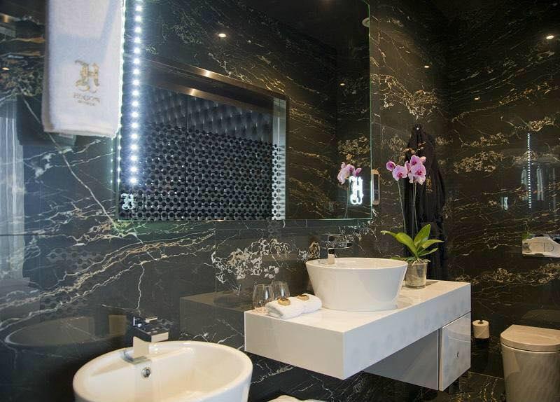 Hugo s boutique hotel malta limestone ceramics for Boutique hotel malte